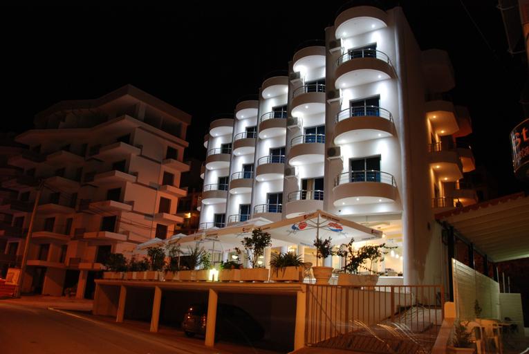 Bora Bora Hotel, Sarandës