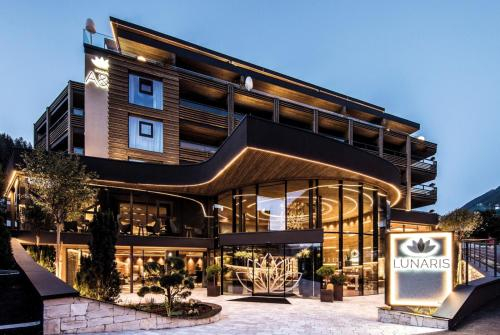 LUNARIS Wellnessresort, Bolzano