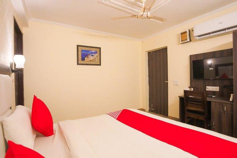 OYO 61439 Hotel Lazeeno, Faridabad
