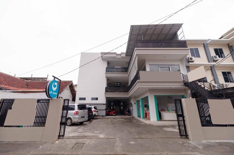 RedDoorz syariah near Stasiun LRT Bumi Sriwijaya, Palembang