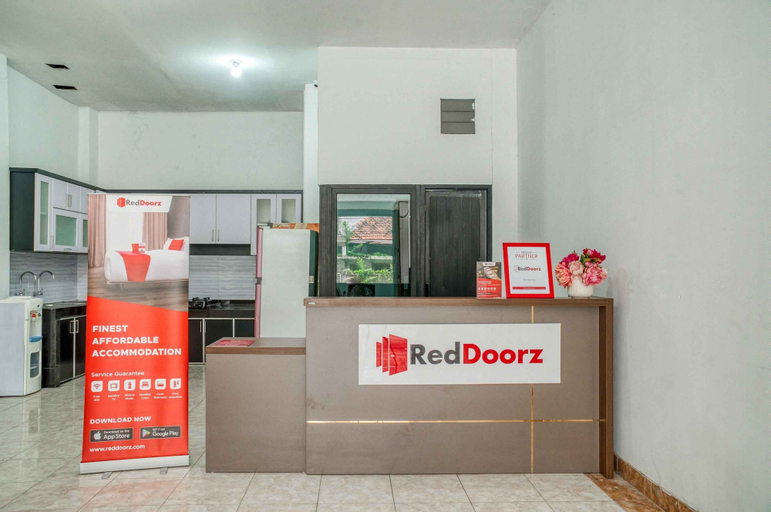 RedDoorz near Duta Merlin, Central Jakarta