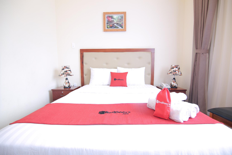 RedDoorz Premium @ Nguyen Thai Son Street, Gò Vấp