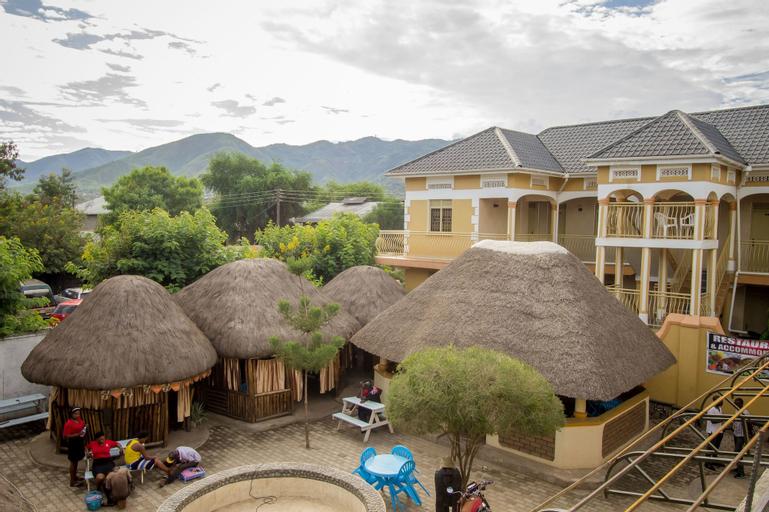 Tropical Savannah Guesthouse, Busongora