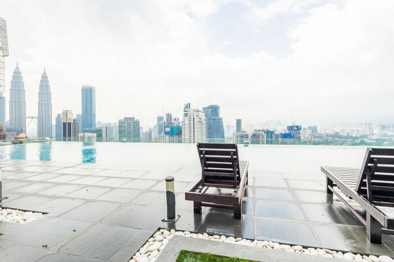 2bedroom 3min walk to bukit bintang 2 rooftop pool, Kuala Lumpur