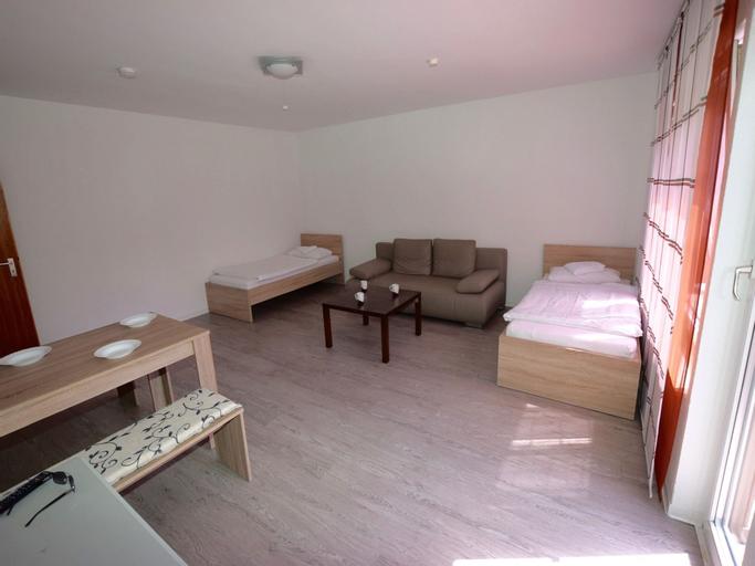 AB Apartment 14, Stuttgart