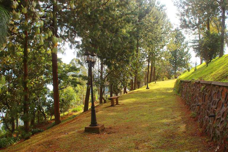Bunyonyi Safaris Resort, Ndorwa
