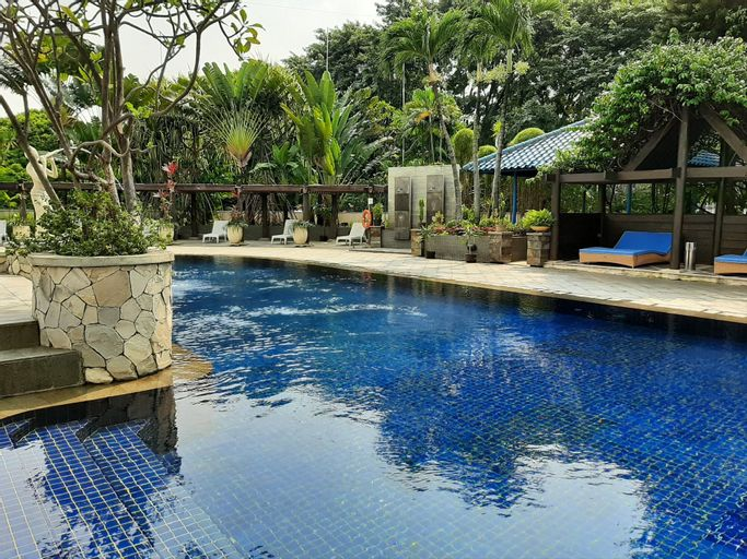 Stylish and Posh Studio Park Royale Apartment By Travelio, Central Jakarta