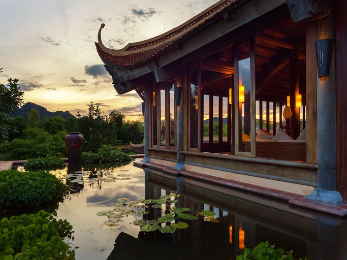 Emeralda Resort Ninh Binh, Gia Viễn