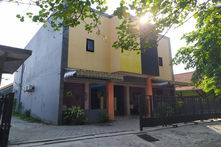 Yulia Guesthouse, South Jakarta