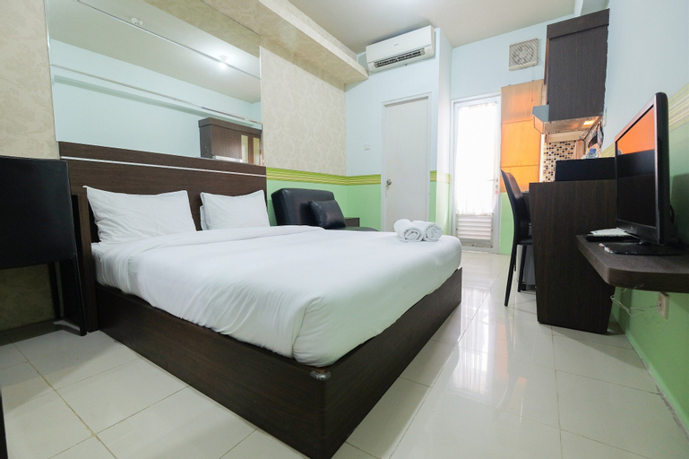 Best Deal Studio Room Grand Emerald Apartment, North Jakarta