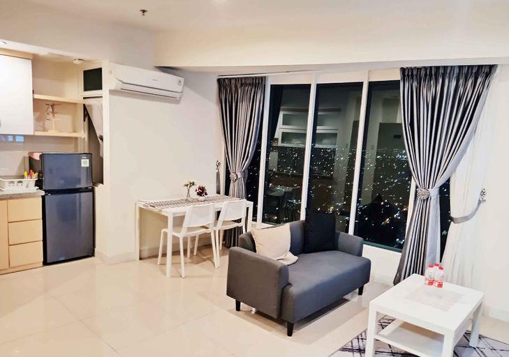 Grand Kamala Lagoon By 21 Room Netflix, Bekasi