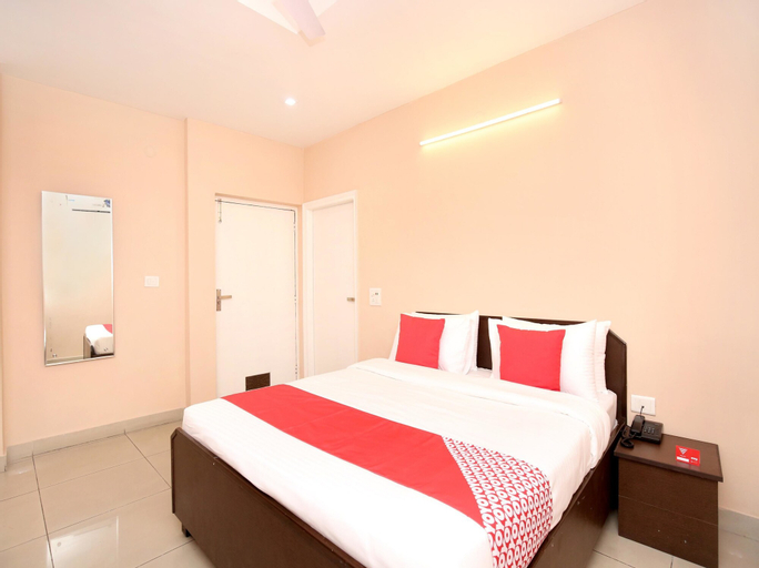 OYO 13037 Hotel Ambassador, Ludhiana