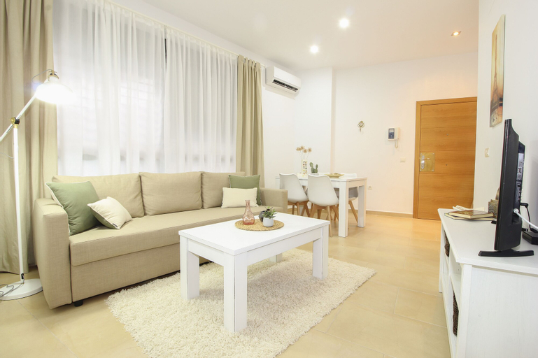 Deluxe Apartment San Julian with parking, Sevilla