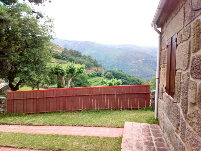 House With 2 Bedrooms in Sistelo, With Wonderful Mountain View and Fur, Arcos de Valdevez