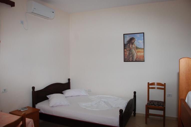 Hotel Rixhi, Sarandës