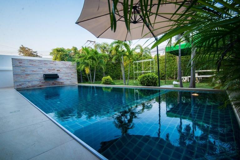 The Time Grand 3 Bedroom Villa 46, Bang Lamung