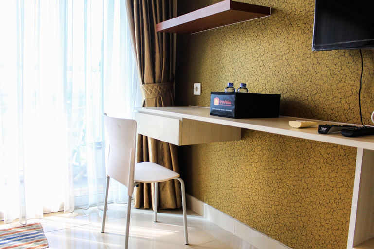 Fully Furnished Studio Apartment at Tamansari The Hive By Travelio, East Jakarta