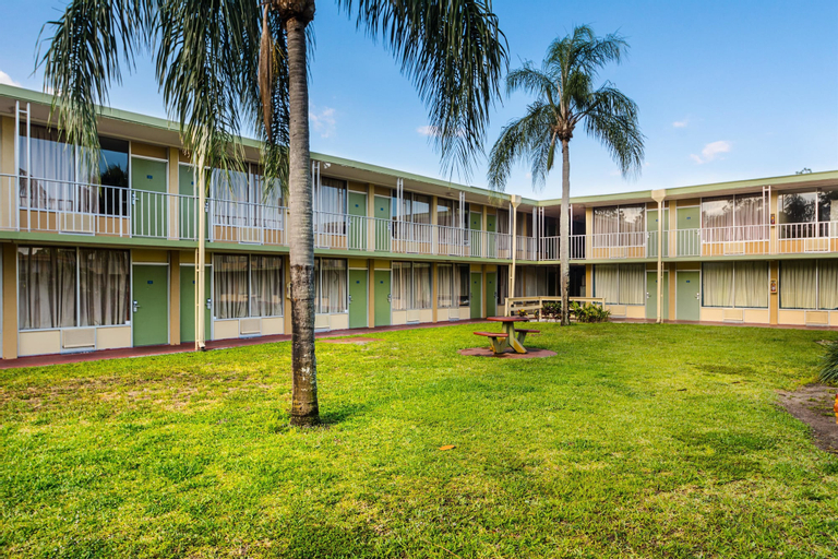 Motel 6-Vero Beach, FL, Indian River