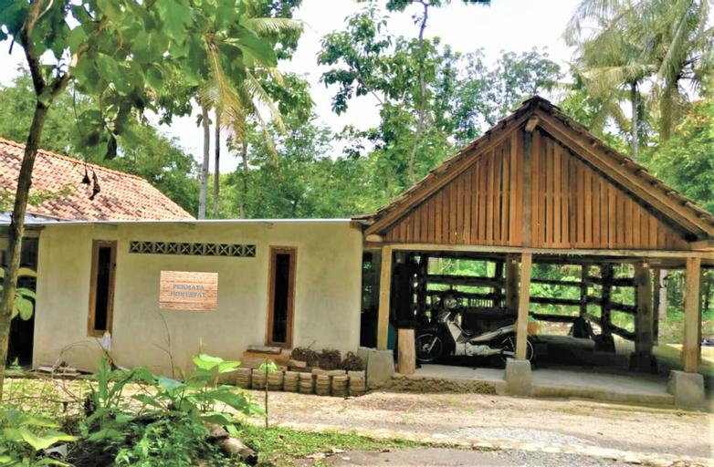 Permata Homestay Yogyakarta - Hostel, Bantul