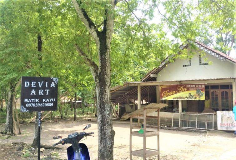 Homestay Devia - Hostel, Bantul
