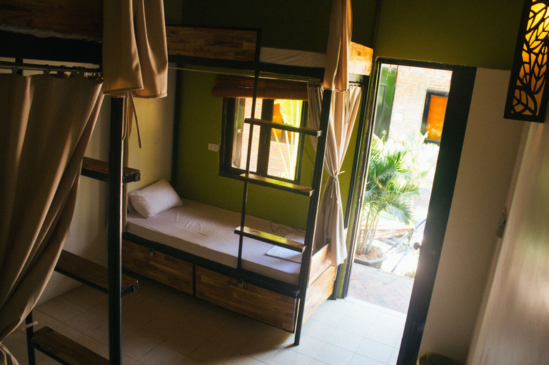 tropic hostel and restaurant, Phan Thiết