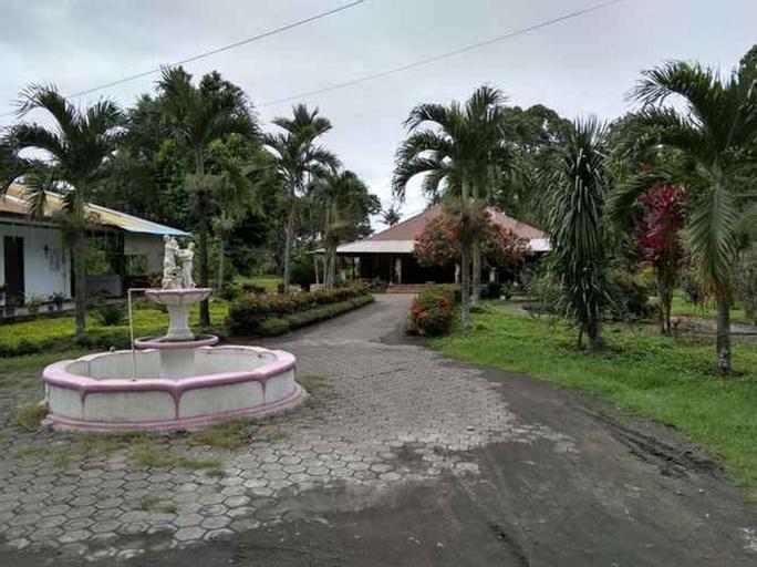 RedDoorz @ Hotel Kusu Kusu, North Halmahera