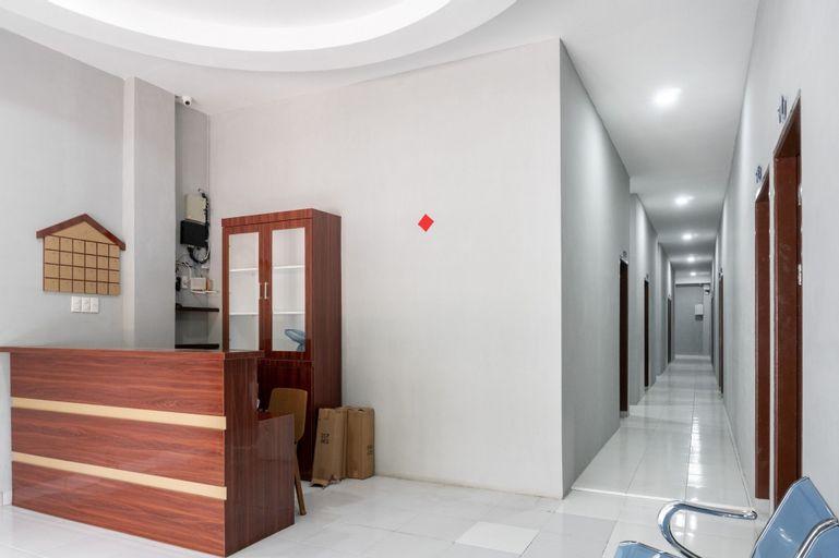 RedDoorz near Manhattan Square Medan, Medan