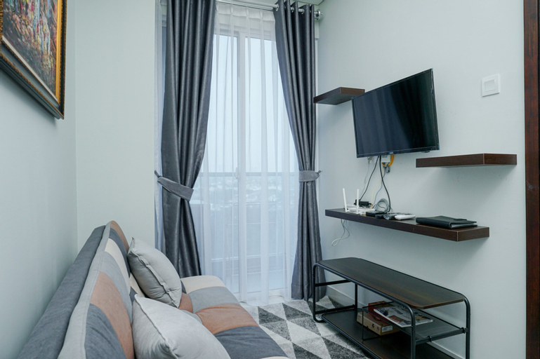 Deluxe Puri Mansion 1BR Apartment with Sofa Bed By Travelio, West Jakarta