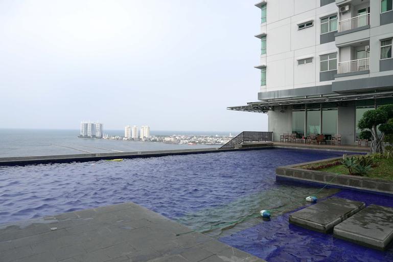 Comfortable 2BR at Condominium Green Bay Pluit Apartment By Travelio, North Jakarta