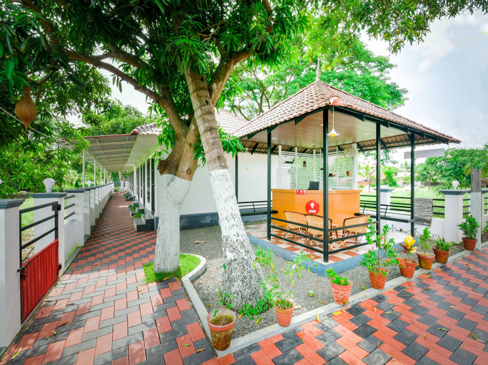 OYO 14604 Green View Residency, Alappuzha
