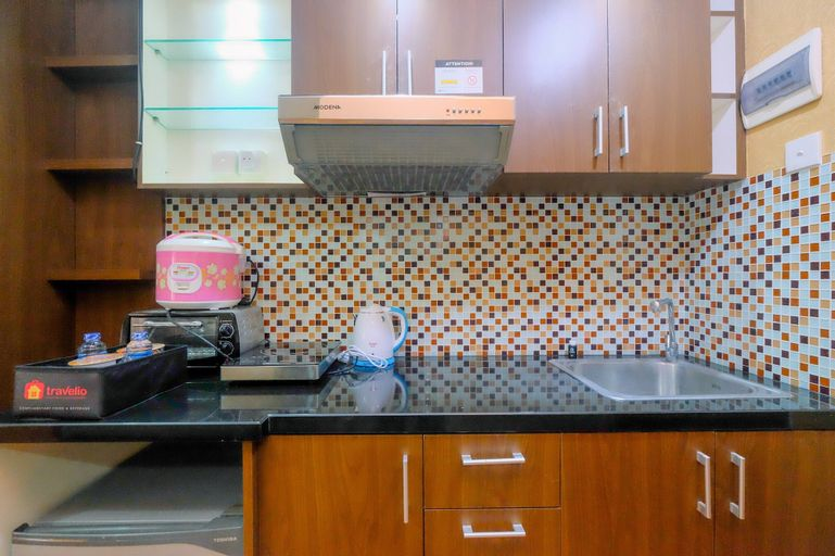 Comfortable Studio Apartment at Taman Melati near Universitas Indonesia By Travelio, Depok