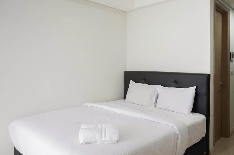 Best View and Comfy Studio Gold Coast Apartment By Travelio, Jakarta Utara