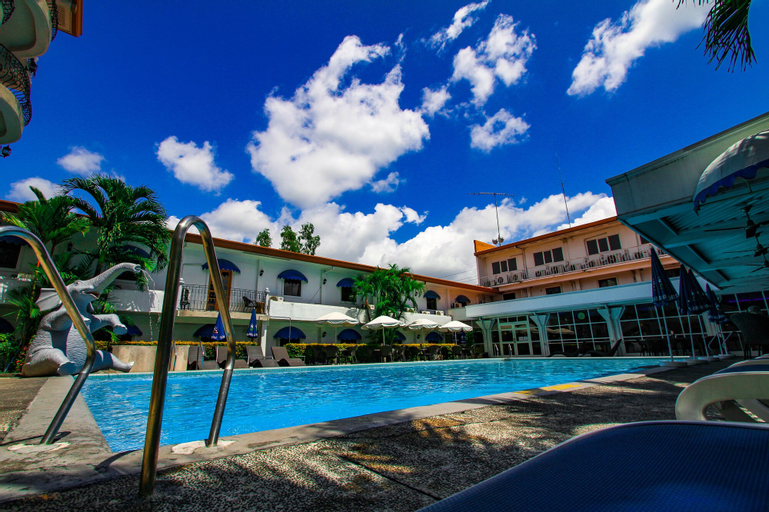 Clarkton Hotel, Mabalacat