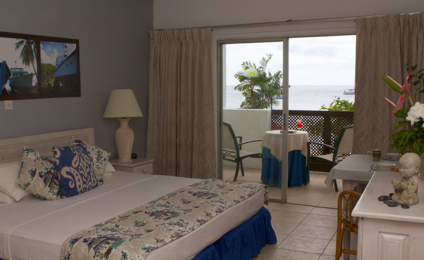 Tropical Sunset Beach Apartment Hotel,