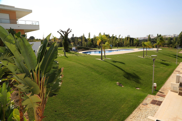Apartment With one Bedroom in Albufeira, With Pool Access, Furnished G, Albufeira