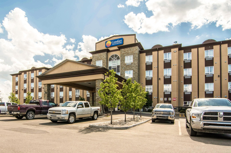Comfort Inn & Suites, Division No. 11