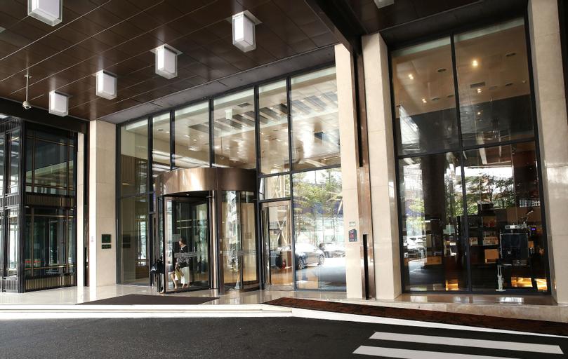 The Riverside Hotel, Seongdong