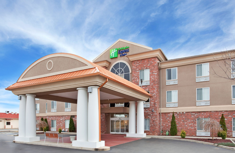 Holiday Inn Express & Suites Farmington, Saint Francois