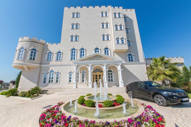 Hotel Belagrita, Beratit