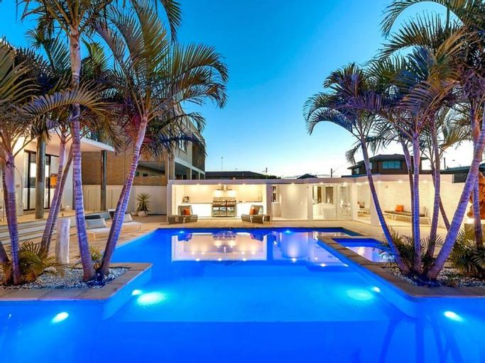 Luxurious Resort Living House, Rockdale