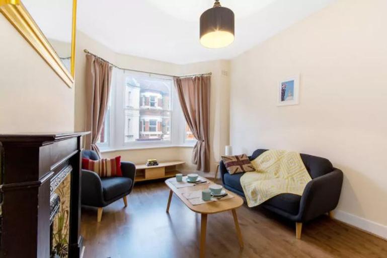 Simon Apartment - London Launchpad, London