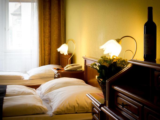 City Hotel Unio Superior, Budapesti
