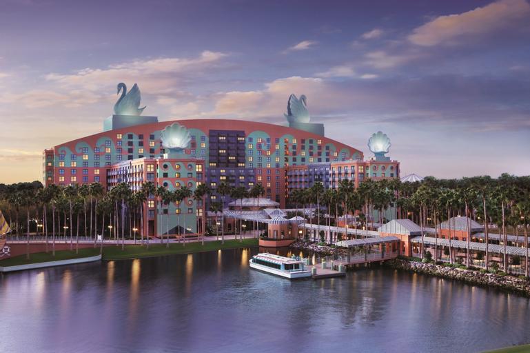 Walt Disney World Swan, Orange