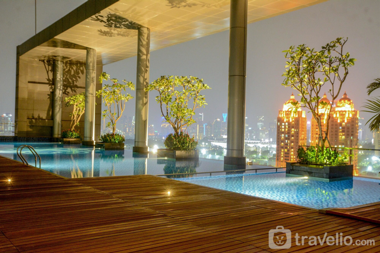 Spacious Four Winds Apartment with City View, South Jakarta