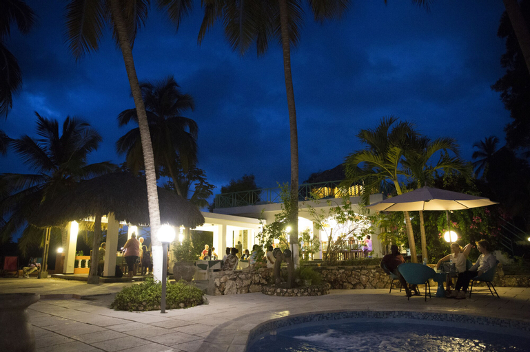 Hotel Restaurant Cyvadier Plage, Jacmel