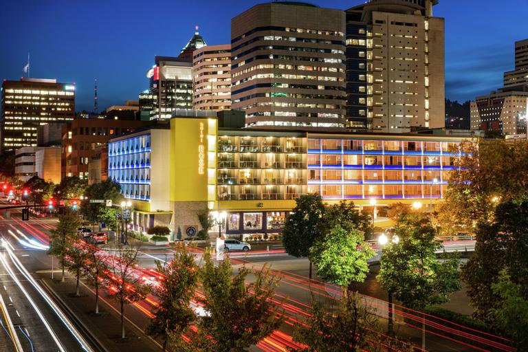 Staypineapple, Hotel Rose, Downtown Portland, Multnomah