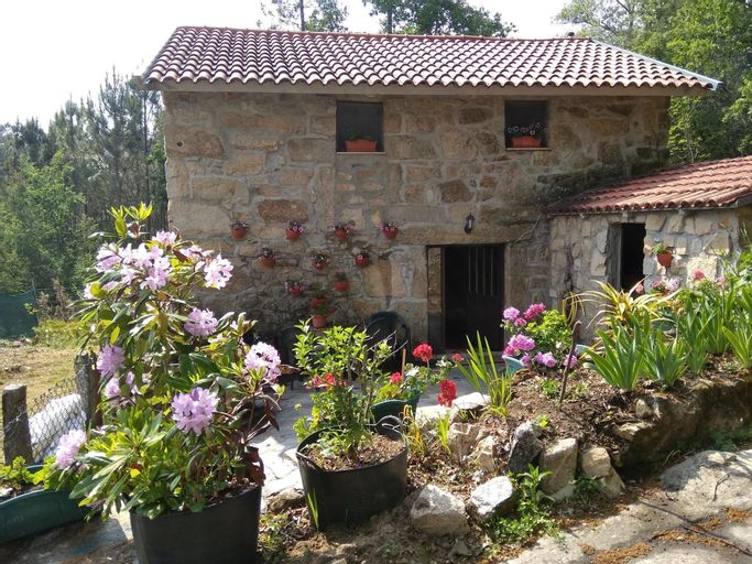 House With 2 Bedrooms in Entrimo, With Wonderful Mountain View, Ourense
