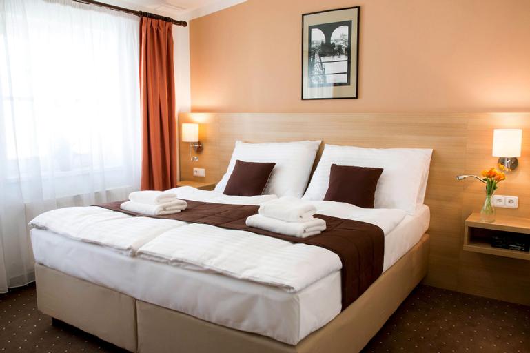 Hotel Karlin, Praha 7