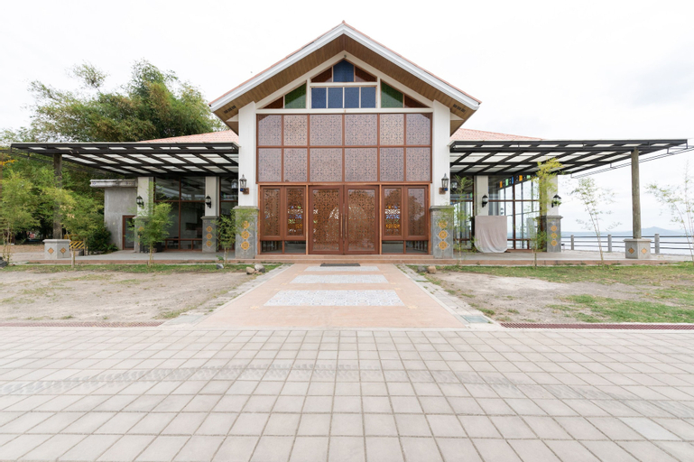 Club Balai Isabel, Taal lake