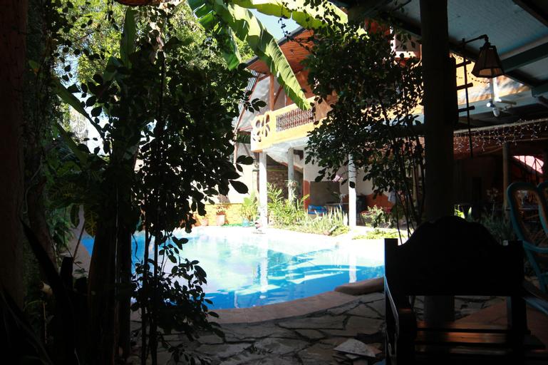 Hotel La Tora, Managua